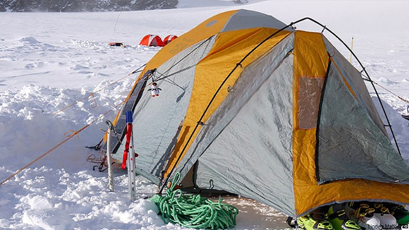 camping-in-travel